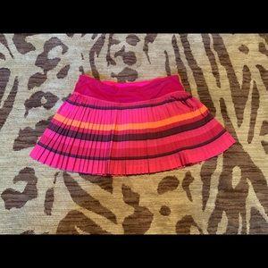 Lululemon pink pleated skirt, size 6 reg